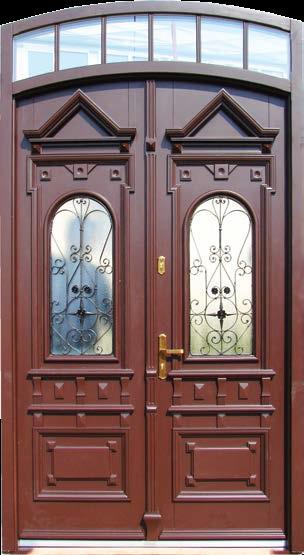 drzwi wejściowe do kamienicy, dwa skrzydła, naswietle górne w łuku, szyba bezpieczna, stylizowane kraty na przeszkleniach, głebokie tłoczenia, aplikacje