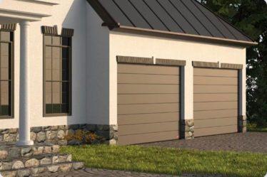 dwie bramy garażowe Oneline, zamontowane obok siebie, wzór w poziome duże przetłoczenia