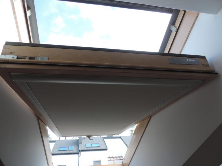 wewnętrzne rolety okienne dobrze zaciemniające wnętrze